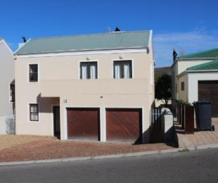 R 2,695,000 - 3 Bed House For Sale in Oude Westhof