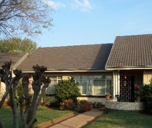 R 880,000 - 4 Bed Home For Sale in Brakpan