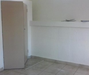 R 2,400 - 1 Bed Apartment To Let in Edenvale