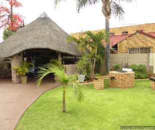 R 1,090,000 - 2 Bed House For Sale in Doornpoort