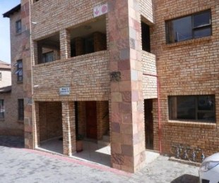 R 4,500 - 1 Bed Property To Rent in Mulbarton