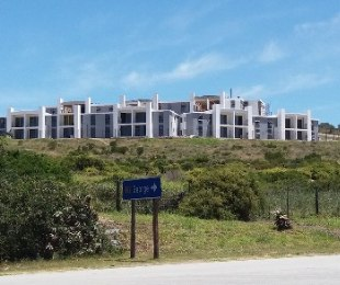 R 1,195,000 - 2 Bed Apartment For Sale in Mossel Bay