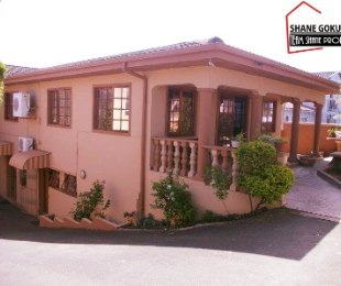 R 1,650,000 - 8 Bed House For Sale in Newlands West