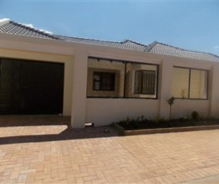 R 1,420,000 - 3 Bed Home For Sale in Diepkloof
