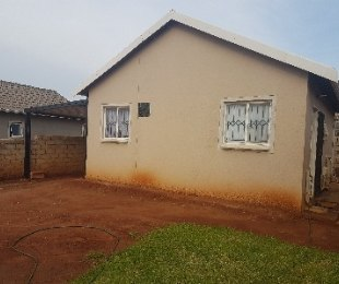 R 495,000 - 2 Bed Home For Sale in Mahube Valley