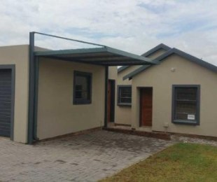 R 6,500 - 2 Bed Home To Let in Kosmosdal