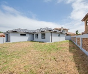 R 1,885,000 - 3 Bed Home For Sale in Reebok