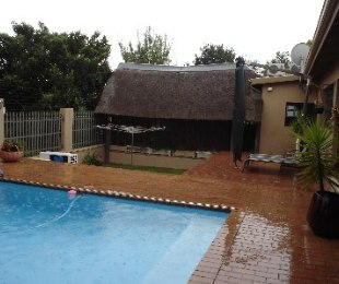 R 2,900,000 - 4 Bed House For Sale in Solheim