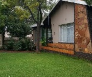 R 880,000 - 3 Bed Property For Sale in Pretoria - North of Magaliesberg
