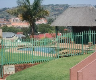 R 590,000 - 2 Bed Flat For Sale in Winchester Hills