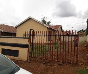 R 6,500 - 3 Bed Property To Let in Naturena