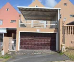 R 995,000 - 3 Bed Home To Rent in Woodview