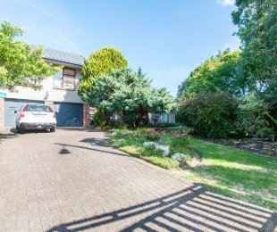 R 2,480,000 - 4 Bed House For Sale in Loerie Park