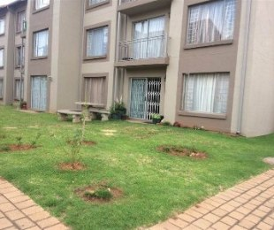 R 579,000 - 3 Bed Apartment For Sale in Benoni