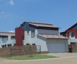 R 1,596,000 - 3 Bed Property For Sale in Silver Lakes