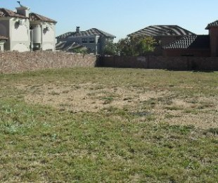 R 1,580,000 -  Plot For Sale in Crescent Wood Estate