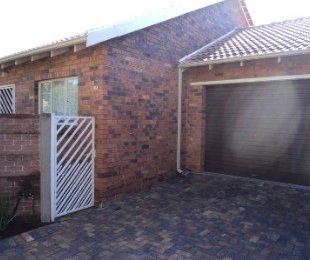 R 7,300 - 2 Bed Property To Rent in Little Falls