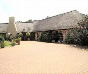 R 4,650,000 - 4 Bed Farm For Sale in Kyalami