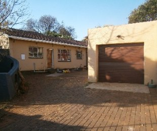 R 9,500 - 3 Bed House To Rent in Lambton