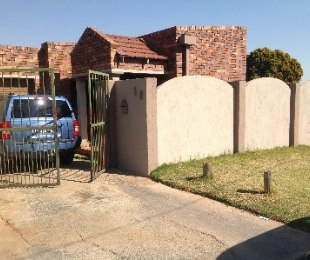 R 890,000 - 3 Bed Home For Sale in Riverlea