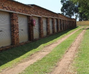 R 6,000,000 - 3 Bed Commercial Property For Sale in Putfontein