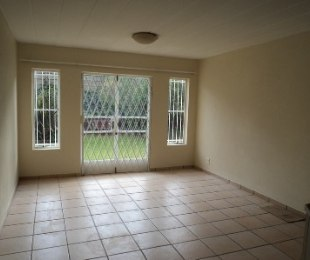 R 750,000 - 3 Bed Flat For Sale in Roodekrans