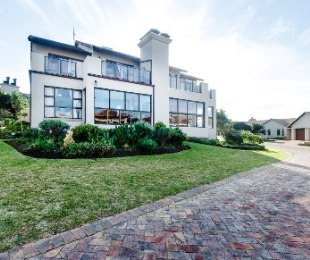 R 1,895,000 - 3 Bed House For Sale in Mossel Bay Golf Estate