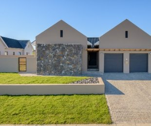R 4,200,000 - 3 Bed House For Sale in Graanendal