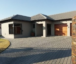 R 2,250,000 - 3 Bed Property For Sale in Three Rivers East