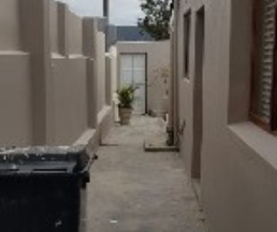 R 10,000 - 2 Bed House To Rent in Walmer Estate