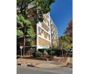 R 1,650,000 - 2 Bed Flat For Sale in Killarney