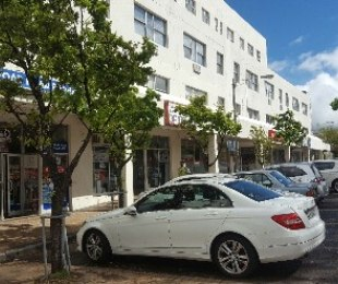 R 6,000 - 2 Bed Apartment To Rent in Wynberg