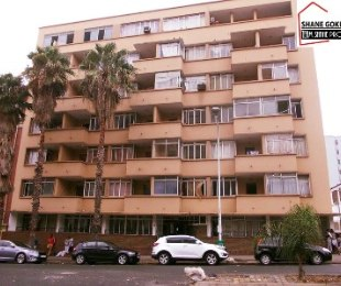 R 285,000 - 1 Bed Flat For Sale in Durban Central