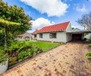 R 3,495,000 - 3 Bed Home For Sale in Meadowridge