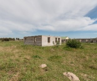 R 1,500,000 - 8 Bed Land For Sale in Joostenberg