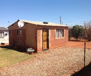 R 220,000 - 1 Bed Property For Sale in Soweto
