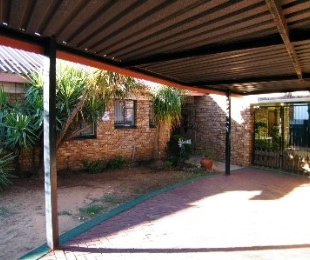 R 660,000 - 3 Bed House For Sale in Riebeeckstad