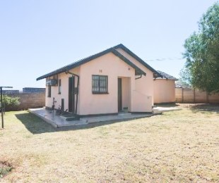 R 600,000 - 2 Bed House For Sale in Spruitview