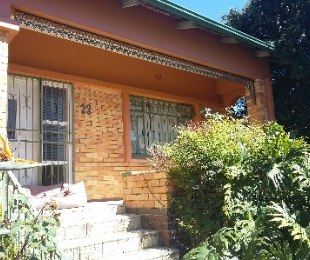 R 980,000 - 2 Bed Home For Sale in Kensington