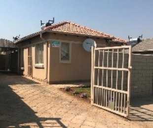 R 675,642 - 2 Bed Home For Sale in Albertsdal