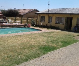 R 850,000 - 3 Bed House For Sale in Klopperpark