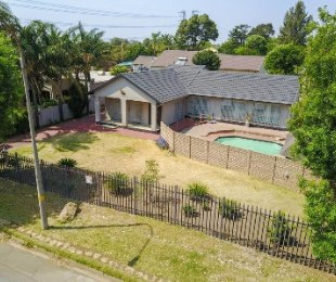 R 1,880,000 - 3 Bed House For Sale in Randhart