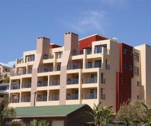 R 375,000 -  Flat For Sale in De Bakke