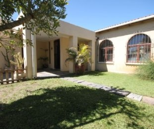 R 18,000 - 3 Bed Property To Rent in Flamingo Vlei