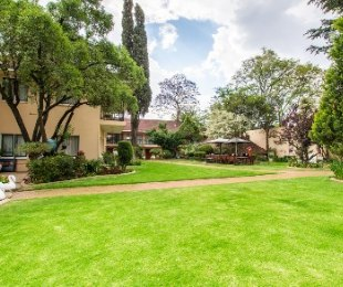 R 9,500,000 - 11 Bed Property For Sale in Parktown North