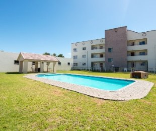 R 1,160,000 - 3 Bed Flat For Sale in Hartenbos