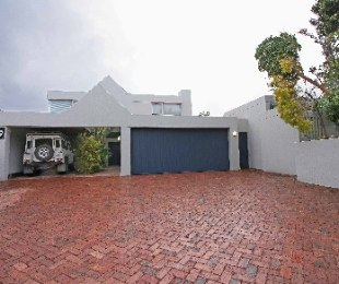 R 4,250,000 - 3 Bed House For Sale in Eversdal