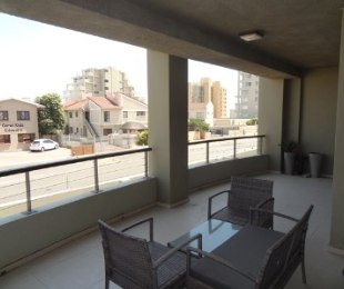 R 2,370,000 - 2 Bed Apartment For Sale in Bloubergrant