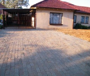 R 650,000 - 3 Bed House For Sale in Reitzpark