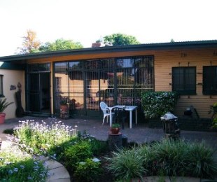 R 2,025,000 - 4 Bed Property For Sale in Jim Fouchepark